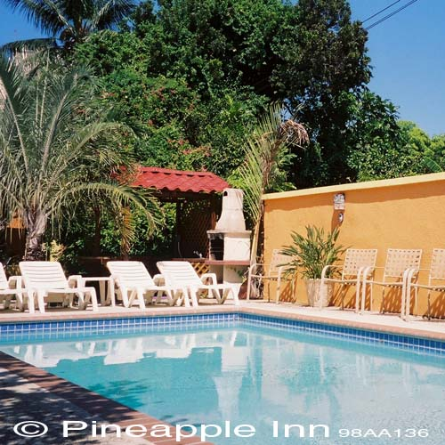 Pineapple Inn, The