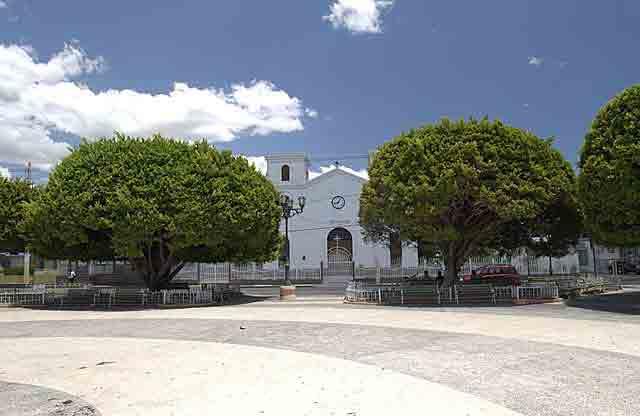 Plaza de Los Fundadores de Santa Isabel