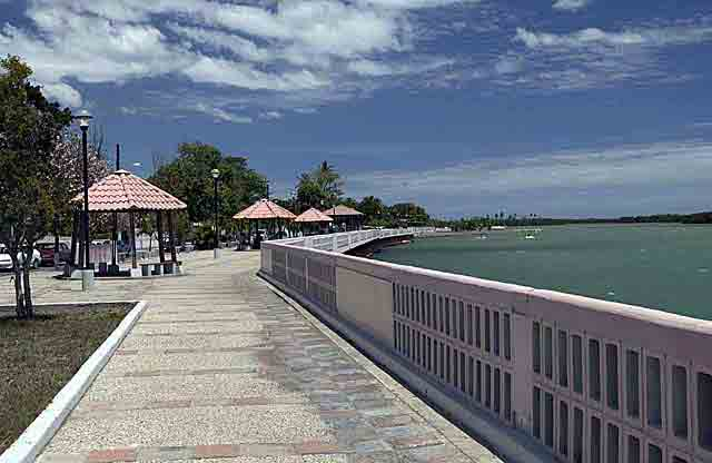Paseo tablado Malecon/Villa Parguera