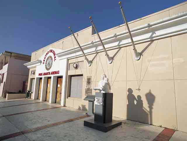 Centro Cultural Juanita Arenas