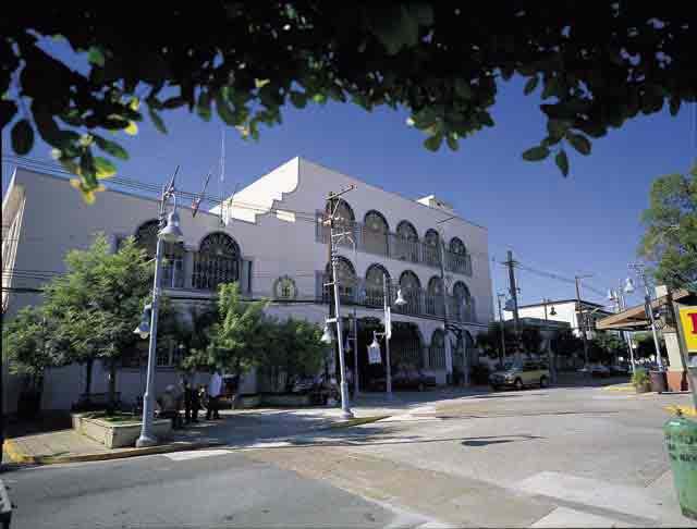 Plaza Jose Adolfo Pesante
