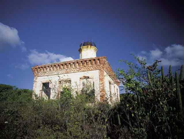 El Faro Ruins
