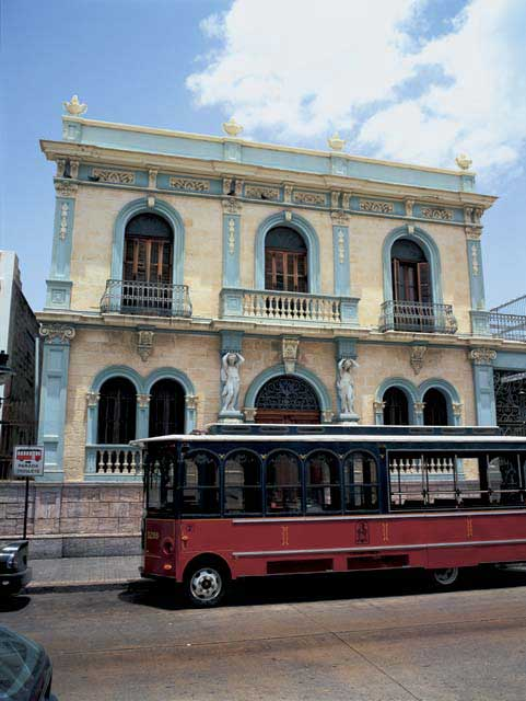 Trolley in Ponce