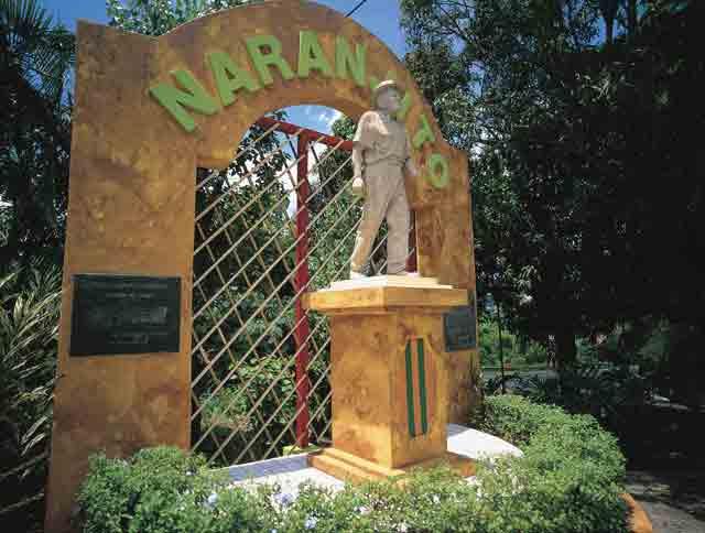 Monumento Al Trovador Naranjiteno